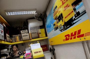 DHL Annahmestelle in der Khaosan Road in Bangkok