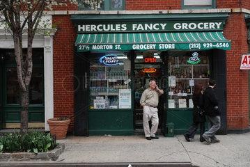 Ein Lebensmittelgeschaeft in New York