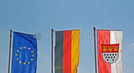 Europaeische  Deutsche und Koelner Fahne