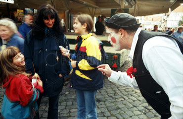 Braunschweig  Clown in Aktion auf dem Magnifest