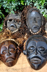 Suedafrika Tourismus: Afrikanische Holzmasken