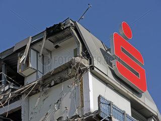 Abriss Hauptgebaeude der Sparkasse KoelnBonn in Bonn