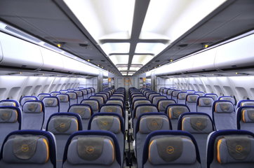 Economy Class Airbus A340-300 von Lufthansa