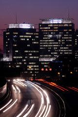 Firmenzentrale von EVONIK bei Nacht