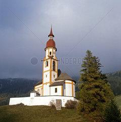 Pfarrkirche St.-Nikolaus  Obernberg  Tirol  Oesterreich