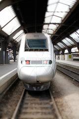 Frontansicht TGV