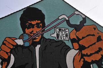 Graffiti  'GAME OVER'  des deutschen Kuenstlers Rakaposhii  Cityleaks-Festival  Koeln  Nordrhein-Westfalen