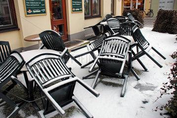 Verschneites Cafe in Weimar