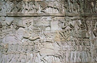 Marschierende Armee  Relief im Suedfluegel der Ostgalerie im dritten Mauerring von Bayon