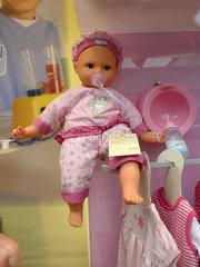 Puppe und andere Spielsachen bei Tchibo
