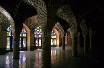 Gebetshalle in der Moschee Masdjid-e Wakil im iranischen Shiraz
