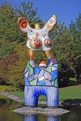 Nana-Skulptur von Niki de Saint Phalle in Ulm