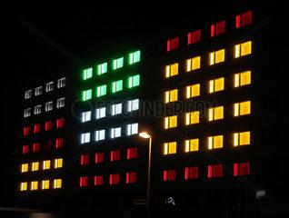 Festlich illuminiertes Altes Bundeshaus Bonn