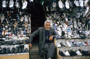 Schuhgeschaeft im iranischen Kerman