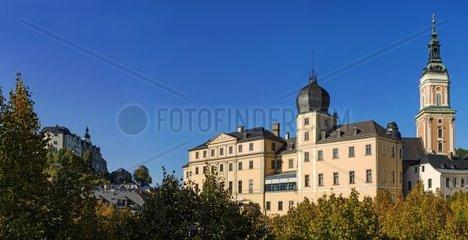 Unteres Schloss und Stadtkirche in Greiz  Thueringen