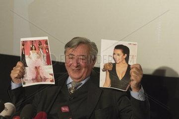 Richard Lugner praesentiert seine Opernballgaeste 2014  Kim Kardashian und Ivian Sarcos