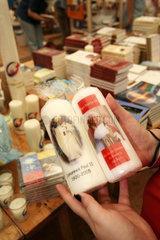 Kerzen von Papst Benedikt XVI und Johannes Paul II.
