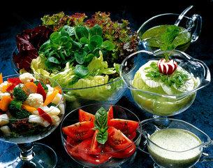 Berlin  verschiedene Salate und Dips