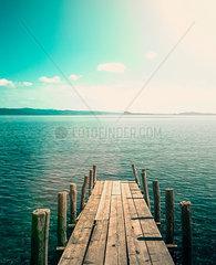 Holzsteg am Gardasee