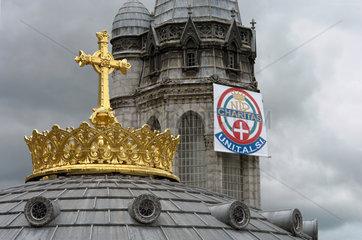 Lourdes  Basilika der unbefleckten Empfaengis