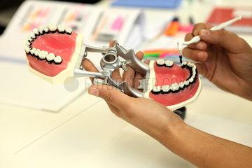 Zahnmedizinisches Zentrum der 'praxisHochschule Koeln'
