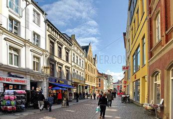 Stralsund: Einkaufstrasse in der historischen Innenstadt