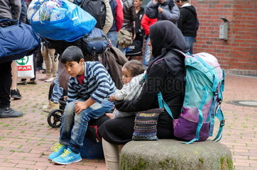 Fluechtlinge bei ihrer Ankunft in Dortmund