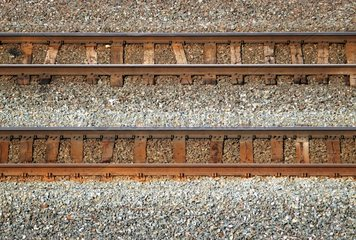 parallele Eisenbahngleise