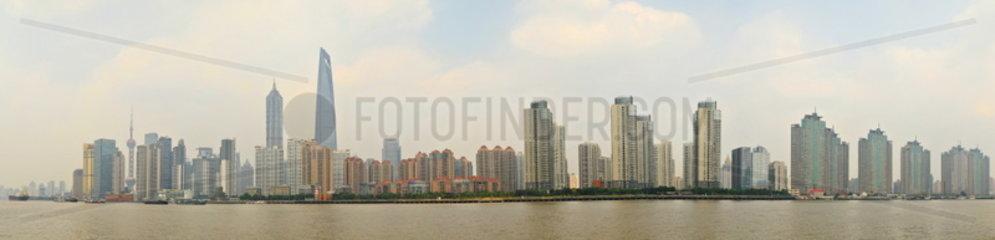 Shanghai  Skyline von Pudong