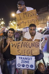 Protest von Migranten vor dem Budapester Ostbahnhof