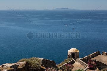 Blick auf Castelsardo im Hintergrund Tumbarin