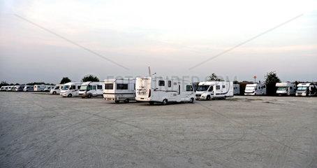 Parkplatz fuer Wohnmobile in Le Crotoy an der Sommemuendung