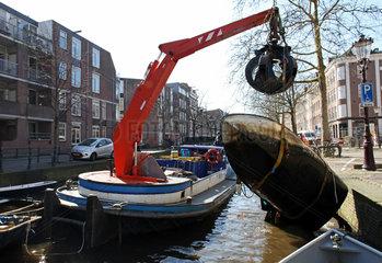 Grachten-Reinigung in Amsterdam