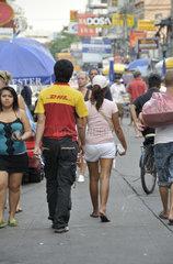 Thailand: DHL-Kurier in der Khao San Road  Bangkok  Thailand  Asien
