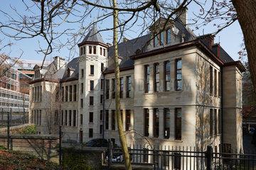 Bruessel  Region Bruessel-Hauptstadt  Belgien - Das Gebaeude der Bayerischen Vertretung vom Leopoldpark aus gesehen.