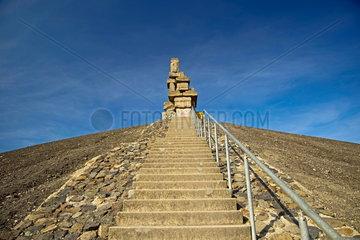 Kunstwerk 'Himmelstreppe' des Kuenstlers Herman Prigann auf dem Gipfel der Halde Rheinelbe.