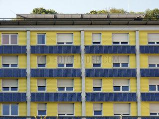 Solaranlage an einem Gebaeude in Freiburg