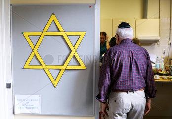 Juedische Gemeinde in Deventer  Niederlande: Massstabsgetreues Papiermodell des Davidsterns