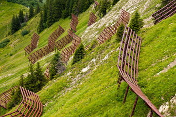 Stahlschneebruecken  Wallmendingerhorn  Allgaeuer Alpen  Vorarlberg.