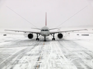 Wintereinbruch am Flughafen Detroit