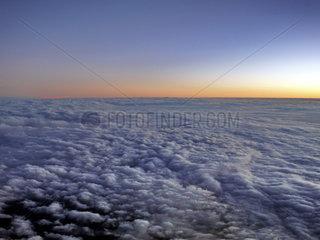 Sonnenuntergang Ueber den Wolken