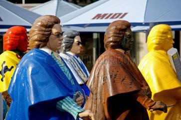 Beethovenfiguren auf dem Bonner Muensterplatz zum Beethovenfest 2008