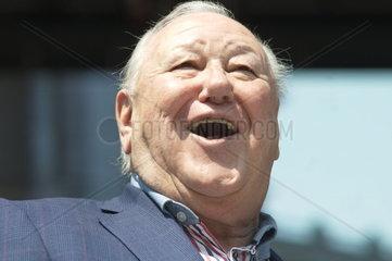 1. Mai 2014 der Sozialistischen Partei Oesterreichsmit dem Praesident des SPOe Pensionistenverbands Karl Blecha