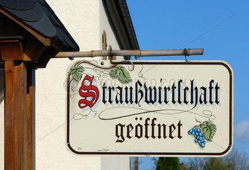 Strausswirtschaft