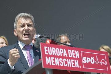 1. Mai Feier 2014 der Sozialistischen Partei Oesterreichs mit OeGB Praesident Erich Foglar
