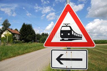 Verkehrsschild Unbeschrankter Bahnuebergang
