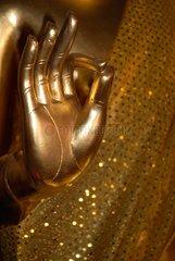 Mudra: Argumentationsgeste einer Buddhastatue im Wat Chana Songkhram