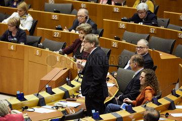 Bruessel  Region Bruessel-Hauptstadt  Belgien - Guy Verhofstadt bei einer Rede im Europaparlament.