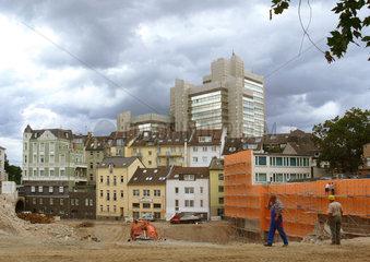 Baugrube mit Bonner 'Stadthaus'