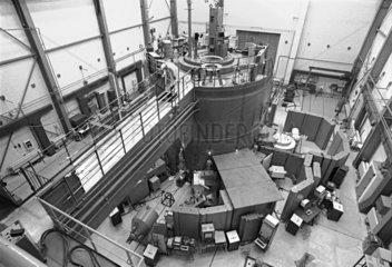 Kernforschungszentrum Rossendorf  Reaktorhalle  DDR  Mai 1990